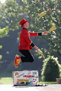 Workshop: Jonglieren und Balancieren für Kinder©Kleinkunstteam Lichtenberg